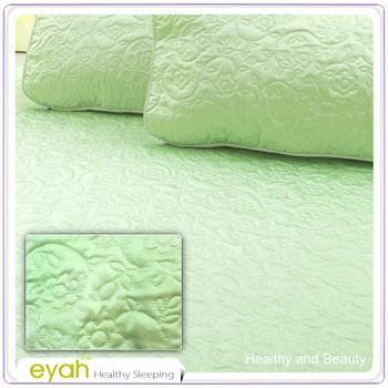 EYAH宜雅 絲鍛面立體花紋100%防水雙人保潔墊三件組(含枕墊*2)-翡翠綠