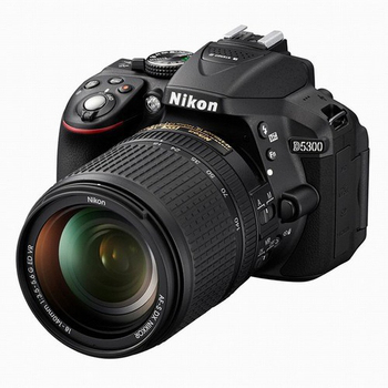 Nikon D5300 18-140 旅遊鏡組(公司貨)★送32G+專用電池+UV保護鏡+專用熱靴蓋+鏡頭蓋防掉繩+原廠電池(含標配共2顆)