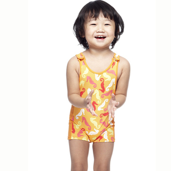 【SAIN SOU】 女童連身平口泳裝附泳帽A80409(10)