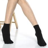 《【KEROPPA】》可諾帕吸濕排汗竹炭保健五趾女短襪(2雙C90009-黑色)