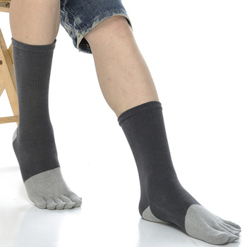 《【KEROPPA】》可諾帕吸濕排汗竹炭保健1/2五趾男、女襪(2雙C90009-深灰配灰色)