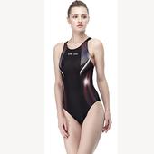 《【SAIN SOU】》大女競賽型連身三角泳裝加贈矽膠泳帽(M)