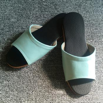 iSlippers 台灣製造-簡約系列-純色皮質室內拖鞋(碧藍L)