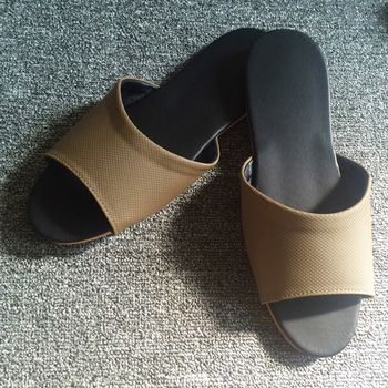 iSlippers 台灣製造-簡約系列-純色皮質室內拖鞋(細紋棕XL)