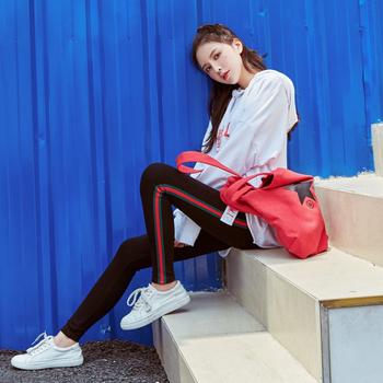《EVEON》時尚側邊直條紋修身顯瘦純棉打底褲內搭褲(紅綠條紋)