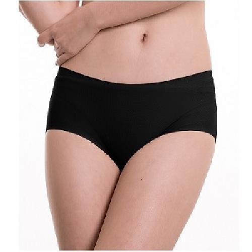 《SOFT LIGHT 舒芙蕾》沁涼無痕創新隱形貼合內褲-M(黑)