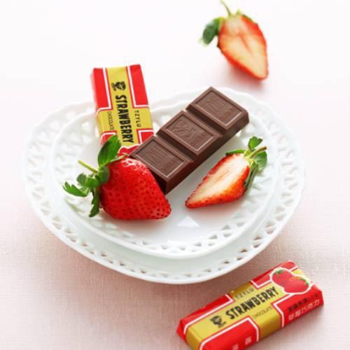《滋露》巧克力 12條/盒(草莓)