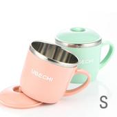 《佶之屋》馬卡龍純色304不鏽鋼有蓋餐杯碗(S)(單耳杯-粉)