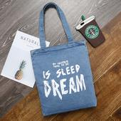 簡約字母 淺色DREAM牛仔袋 購物袋 牛仔帆布包(34*38cm/丹寧色 隨機出貨)