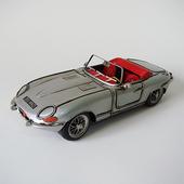 《Jayland》1961銀色 E 型捷豹敞篷車  1:12 規格(33(L))