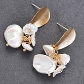 單翼造型珍珠耳環