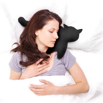 《德國 Leschi》旅行枕頭/辦公室、教室午休枕頭- 貓造型 (黑色)加碼送:局部防磨貼鞋墊×1包 (市價$280)