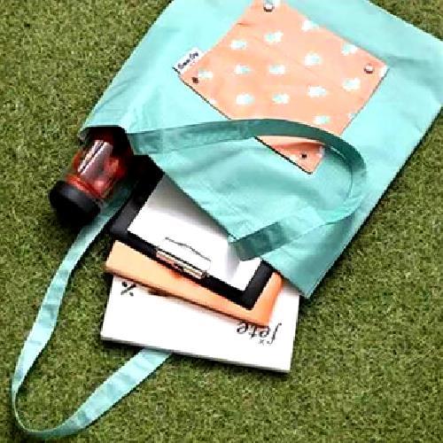 可折疊加厚防水購物袋(紅兔子34X47cm)