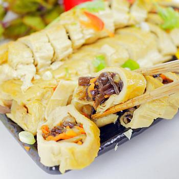 《【高興宴】素人上菜》蔬食煙薰素鵝卷300g(蛋奶素)(現貨D+5)